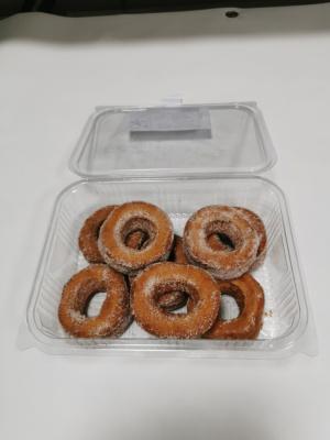 Caja de rosquillos fritos