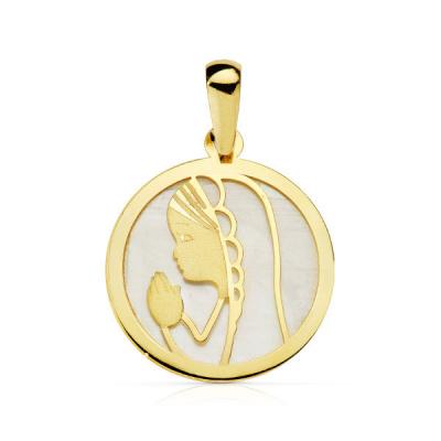 Medalla de Comunión Virgen Niña Nacar 18 Kilates